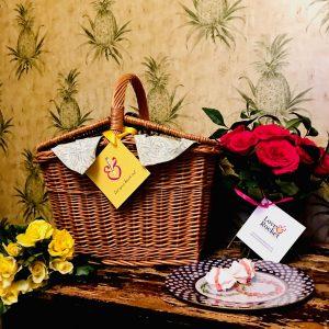 picnic gift box image